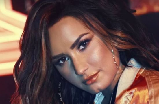 Demi Lovato lança novo single 'Sorry not sorry'