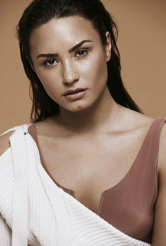 """122035 Veja a sessão de fotos de Demi Lovato para a revista """"Notion"""""""