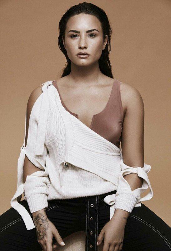 """122037 Veja a sessão de fotos de Demi Lovato para a revista """"Notion"""""""