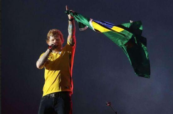 E encanta: Ed Sheeran faz show simplão em São Paulo