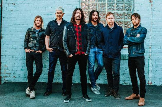 https://s2.vagalume.com/foo-fighters/images/121595.jpg