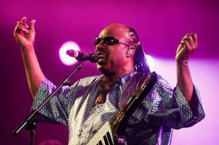 Stevie Wonder lançará dois discos no ano que vem, um deles de músicas Gospel