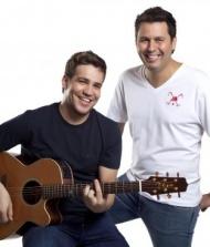 Tom E Arnaldo